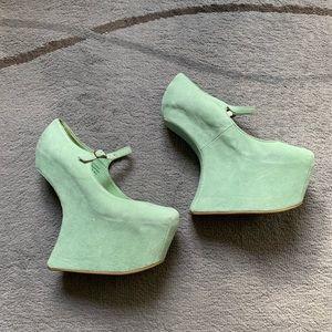 Mint Suede No Heel Platform